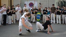 Gente de la lucha de Capoeira almacen de metraje de vídeo