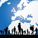 Gente de la migración con el mapa en el ejemplo del fondo fotografía de archivo libre de regalías