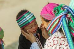 Gente de la minoría étnica de la madre y del hijo Foto de archivo libre de regalías