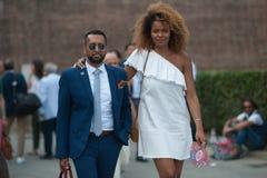 Gente de la moda en Pitti Immagine de Uomo fotos de archivo
