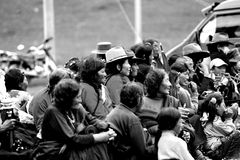 Gente de Tibetant que asiste a la asamblea budista Fotos de archivo libres de regalías