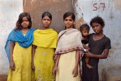 Gente del área de las minas de carbón de Jharia en la India Imagenes de archivo
