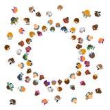 Gente del color de la historieta que se coloca en un círculo Vector stock de ilustración