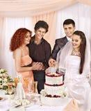 Gente del grupo en la tabla de la boda. Fotografía de archivo