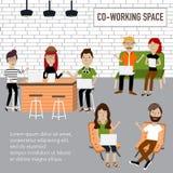 Gente del inconformista que trabaja en el infographics de co-trabajo del espacio Imagen de archivo