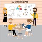 Gente del inconformista que trabaja en el infographics de co-trabajo del espacio Foto de archivo
