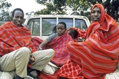 Gente del Masai del transporte en recogida del espacio de cargamento Imagen de archivo libre de regalías