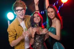 Gente del partido Imagen de archivo