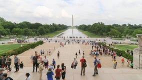 Gente delante de Lincoln Memorial imagen de archivo