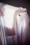 Gente desconocida con una figura delgada y una tela creciente, sombra Imagenes de archivo