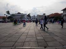 Gente desconocida Museo de Batavia del museo de la historia situado en la ciudad vieja Kota Tua de Jakarta imagenes de archivo