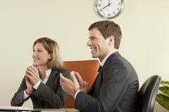 Gente di affari che applaude Fotografia Stock