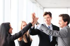 Gente di affari che dà livello cinque Fotografia Stock Libera da Diritti