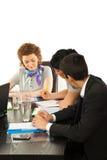 Gente di affari che lavora alla riunione Immagine Stock