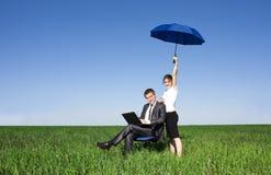 Gente di affari che lavora alla via Fotografia Stock