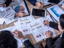 Gente di affari che lavora concetto di rapporto immagine stock