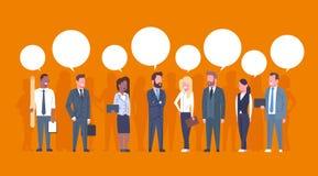 Gente di affari del gruppo di comunicazione di concetto delle donne di affari di Team Of Successful Businessmen And con le bolle  illustrazione vettoriale