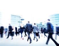 Gente di affari del pendolare di viaggio di moto di concetto di camminata della città Immagine Stock Libera da Diritti