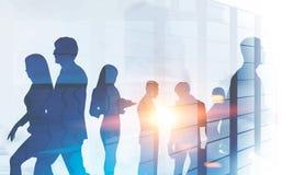 Gente di affari delle siluette, grattacielo illustrazione vettoriale