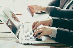 Gente di affari di riunione (vin elaborato immagine filtrato fotografie stock