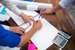 Gente di affari nella sala riunioni Fotografia Stock Libera da Diritti
