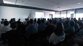 Gente di affari di seminario di conferenza di riunione dell'ufficio di concetto di addestramento archivi video