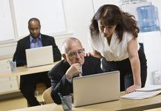Gente di affari in ufficio Fotografia Stock Libera da Diritti