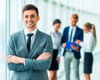 Gente di affari in ufficio Immagini Stock