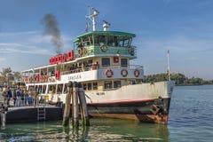 Gente di trasporto della nave Fotografia Stock