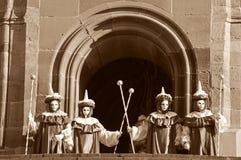 Gente disfrazada en caracteres de la época foto de archivo libre de regalías