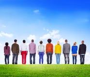 Gente diversa que hace frente al revés al aire libre Imagen de archivo