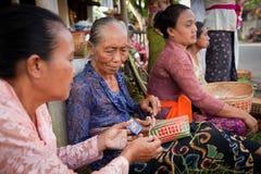 Gente durante el día de silencio en Bali, Indonesia Imagen de archivo