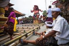 Gente durante la celebración antes de Nyepi - día del Balinese del silencio Fotografía de archivo libre de regalías