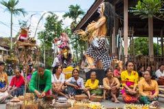 Gente durante la celebración antes de Nyepi - día del Balinese del silencio Foto de archivo