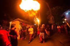 Gente durante la celebración de Nyepi - día del Balinese del silencio Imagenes de archivo