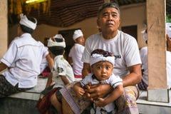 Gente durante la celebración de Nyepi - día del Balinese del silencio Fotos de archivo