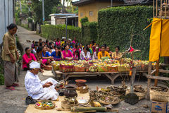 Gente durante la celebración de Nyepi - día del Balinese del silencio Fotografía de archivo