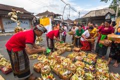 Gente durante la celebración de Nyepi - día del Balinese del silencio Imágenes de archivo libres de regalías