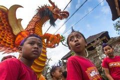 Gente durante la celebración de Nyepi - día del Balinese del silencio Foto de archivo libre de regalías
