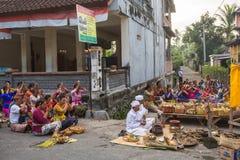 Gente durante la celebración Nyepi - día del Balinese del silencio Foto de archivo libre de regalías