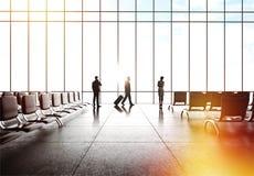 Gente en aeropuerto fotografía de archivo libre de regalías