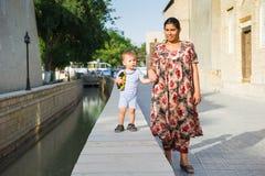 Gente en BUKHARA, UZBEKISTÁN Foto de archivo libre de regalías