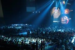 Gente en concierto imagen de archivo