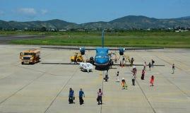 Gente en el aeropuerto de Lien Khuong en Dalat, Vietnam Fotos de archivo