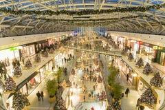 Gente en el centro comercial de Vasco da Gama Fotografía de archivo libre de regalías
