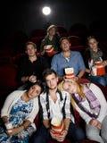 Gente en el cine Imagenes de archivo