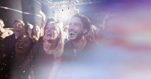 gente en el concierto con la transición fotos de archivo libres de regalías