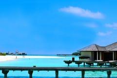 Gente en el día de fiesta en la isla del paraíso de Maldivas, ` 2011 de marzo Imagen de archivo libre de regalías