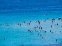 Gente en el mar Imágenes de archivo libres de regalías