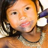 Gente en el PUEBLO de EMBERA, PANAMÁ Fotografía de archivo libre de regalías